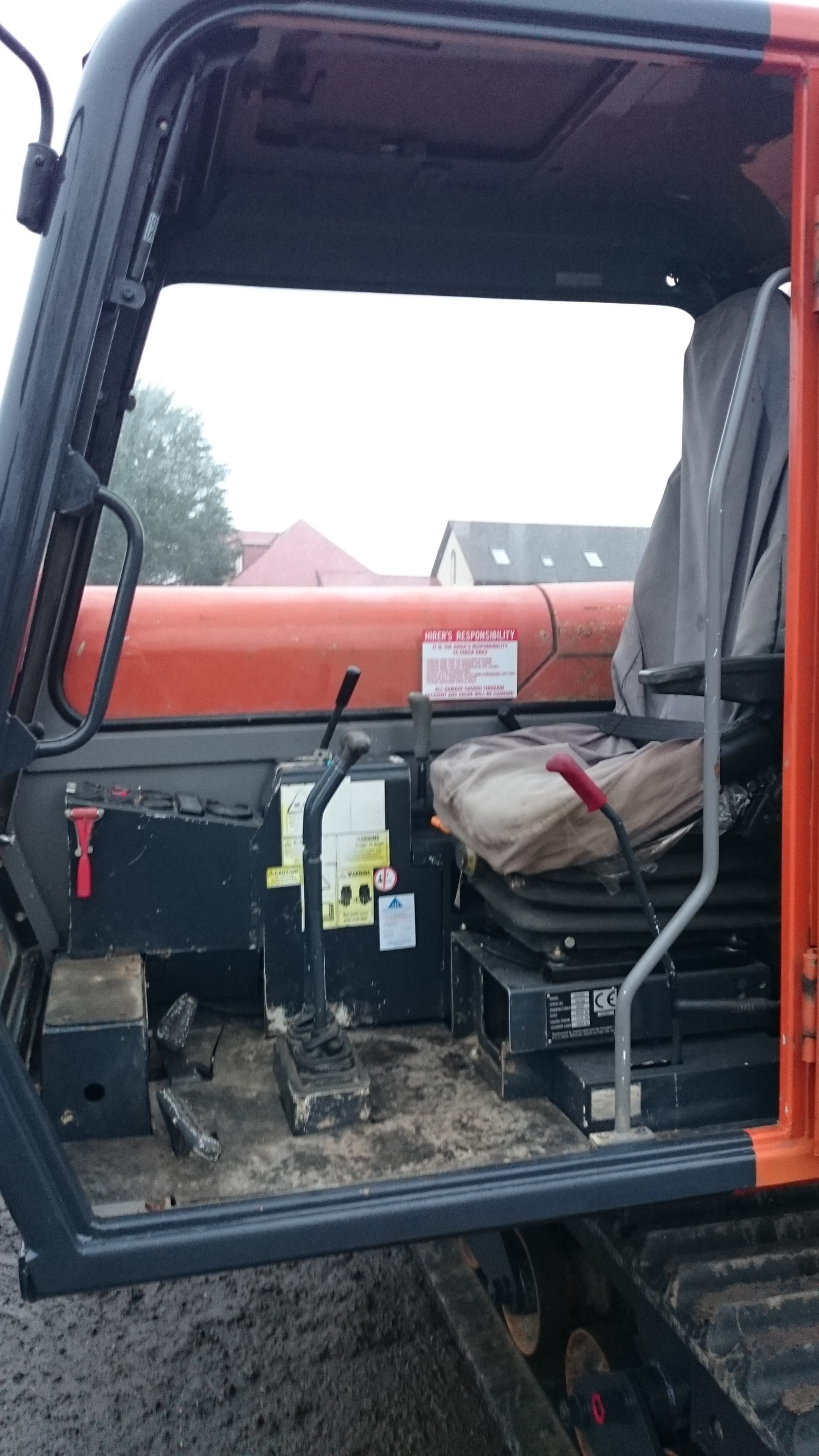 4 ton tracked dumper for hire