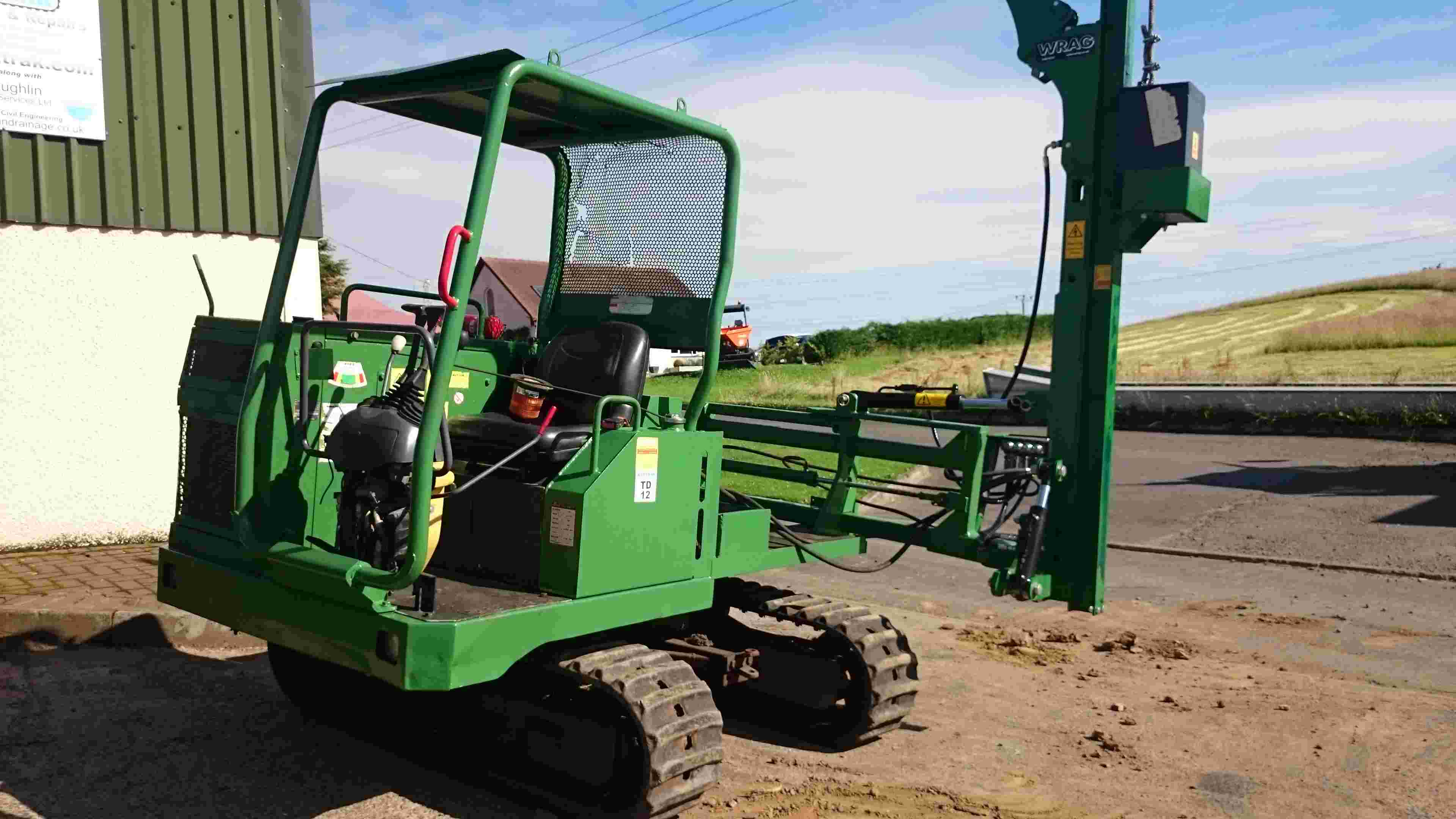 360 Swivel Tracked Post Driver